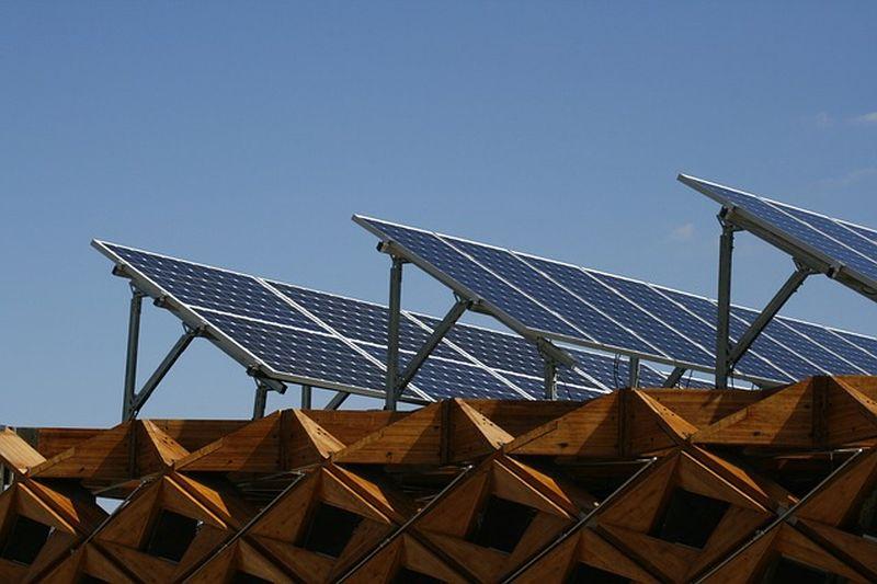 Ali se domača sončna elektrarna splača
